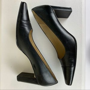 Ralph Lauren women's Black Cap toe Leather Heel 8B